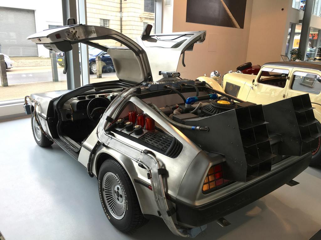 photo credit: DeLorean Back To the Future via photopin (license)
